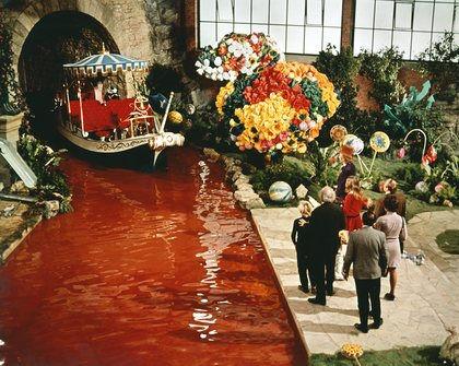 Wonka river of chocolate