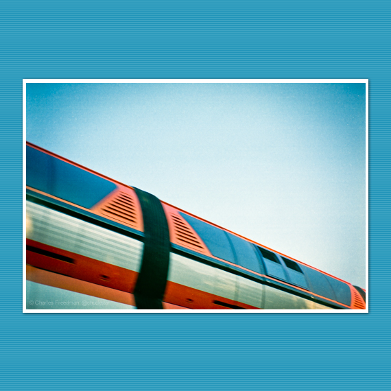 monorail_in_motion